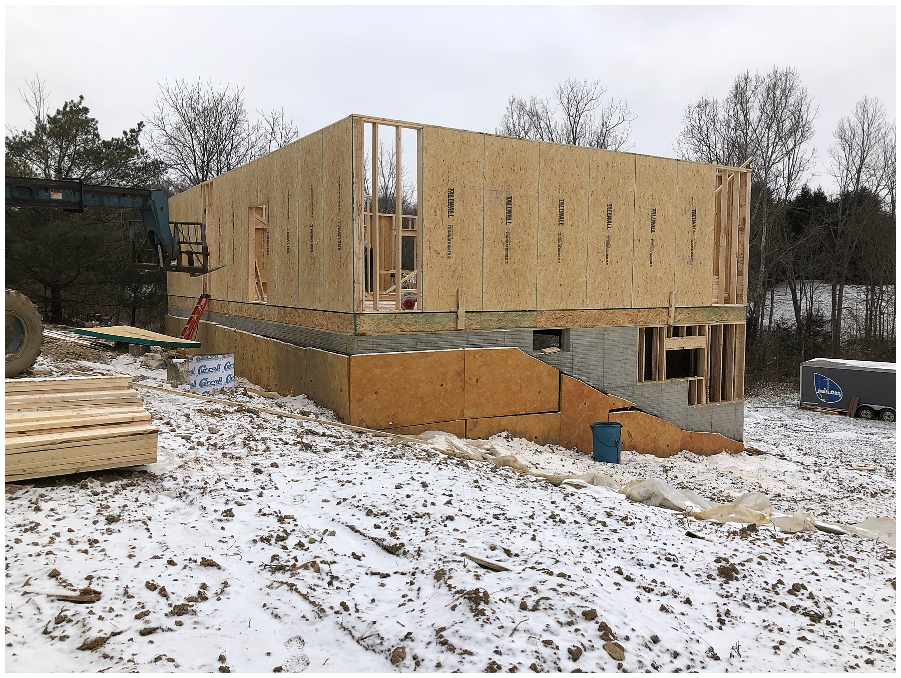 the walls and foundation of a new home construction