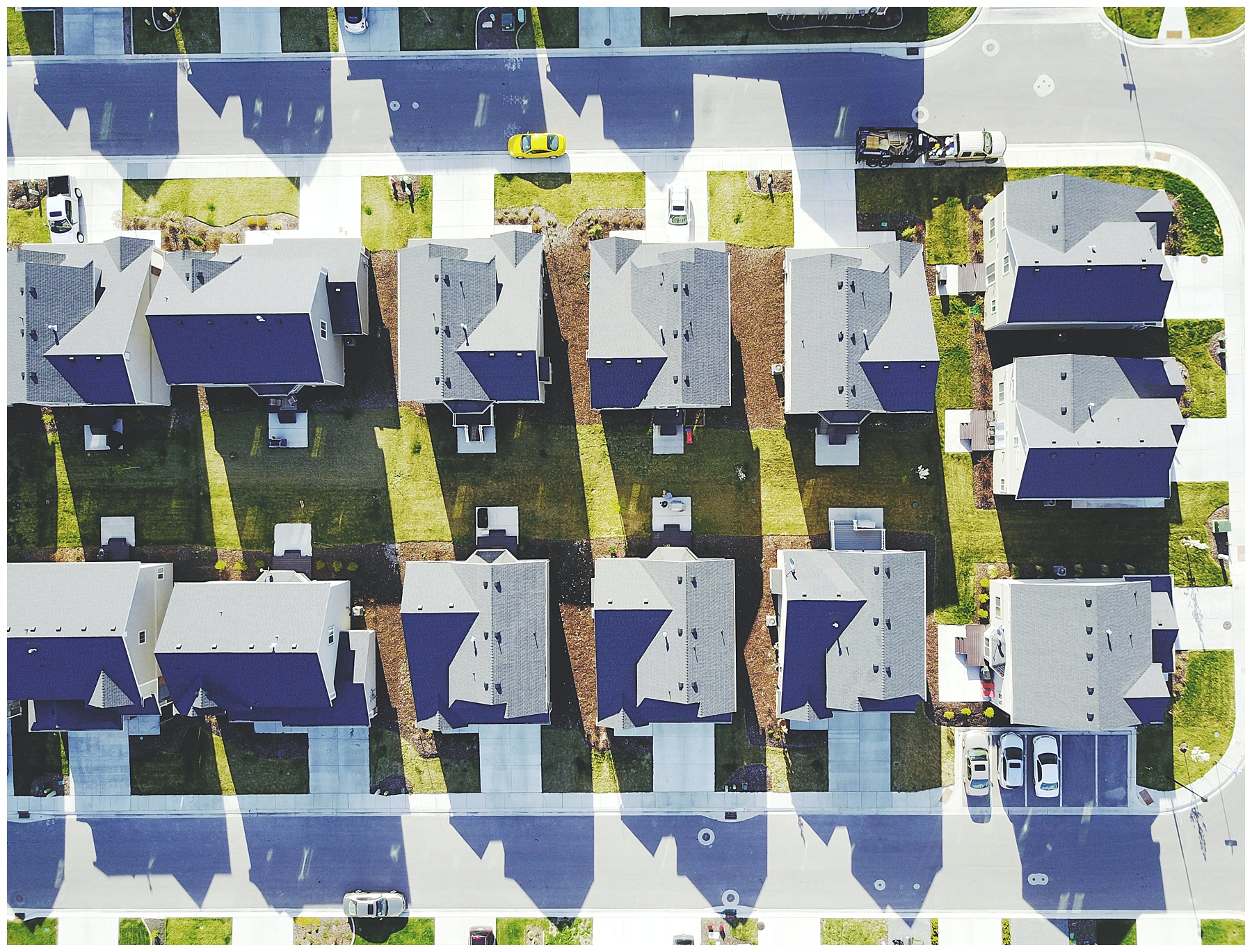 aerial view of neighborhood full of houses for buying a home in seller's market